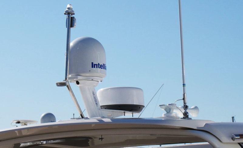 Intellian i2 - Installed